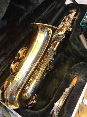 Photo LIBERTY SELMER LAS100 Alto Saxophone - $200 (East Peoria)
