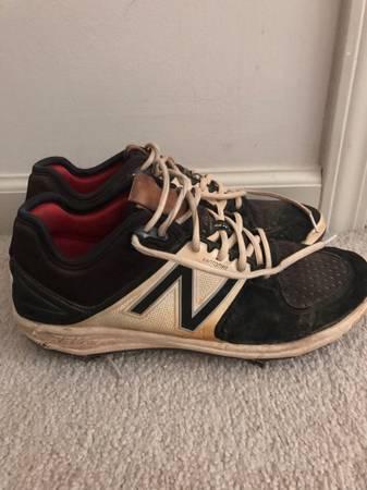 Photo New Balance Mens 9.5 Baseball Cleats - $40 (Normal)