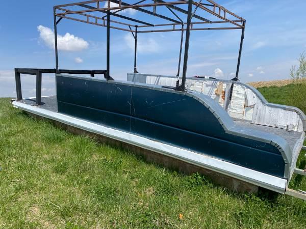 Photo Used Pontoon Boat  Trailer - $950 (Glasford)