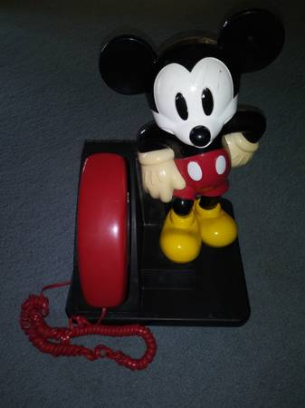 Photo Vintage Disney Mickey Mouse Phone - $40 (Decatur, Il.)