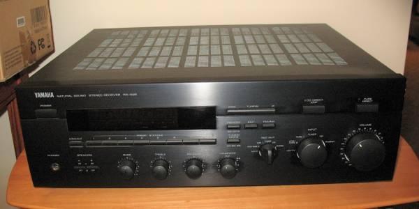 Photo Yamaha RX-595 Receiver  Headphones - $60 (Peoria)