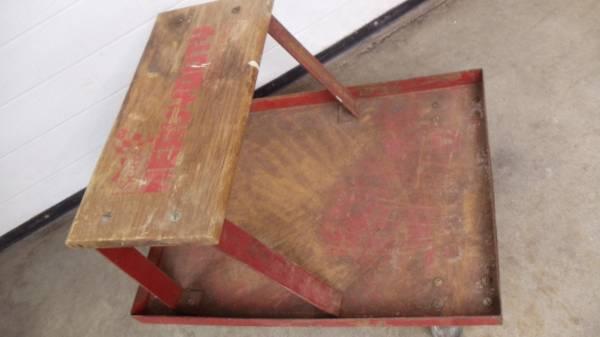 Photo sears craftsman mechanic seat, metal tool shelf, metal swivel casters - $10 (decatur, il)