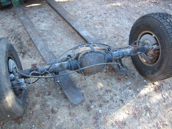 Photo 1999 to 2007 Ford F250 F350 Sterling 10.5 Rear Axle - $500 (Bulverde)