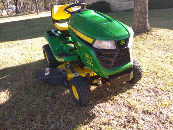 Photo 2014 John Deere X304 Lawn Tractor - $2,795 (New Braunfels)