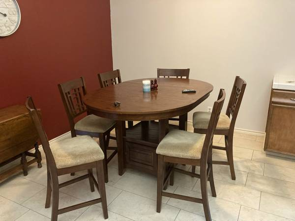 Photo 7 pc Table Set Counter Height 6 Chairs - $999 (kerrville)