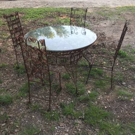 Photo Antique Wrought Iron Table wGlass Top and 4 Matching Chairs - $100 (Southeast Blanco County, TX)