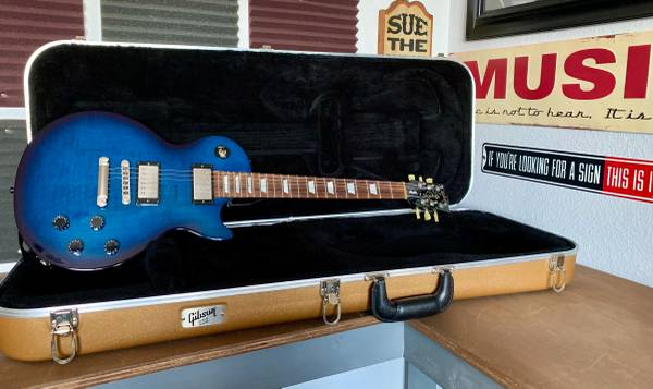 Photo Gibson Midnight Blue Les Paul Studio, Check It Out, For Sale Or Trade - $1,200 (1604  Potranco Rd)