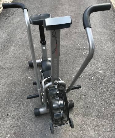 Photo Schwinn Airdyne Evolution Comp Exercise bike - $180 (Spring Branch)