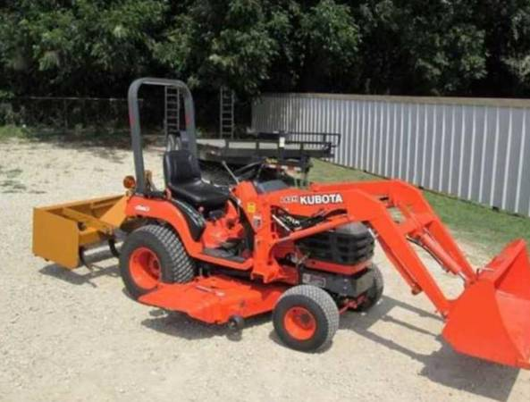 Photo Works Like New utility tractor Belly Mower - $1,020 (Del Rio  Eagle Pass)