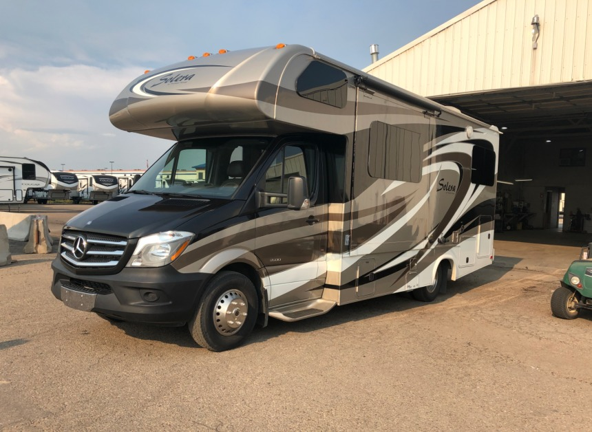 Photo Used 2015 Forest River Class C RV  $83900