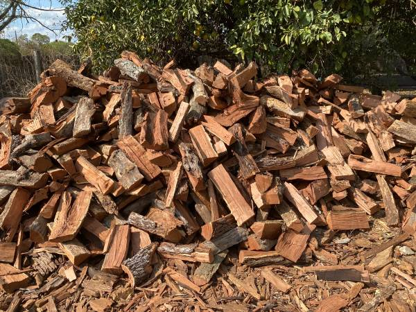 Photo Fire Wood Red Mesquite  Oak FIREWOOD - $160 (LYTLE)