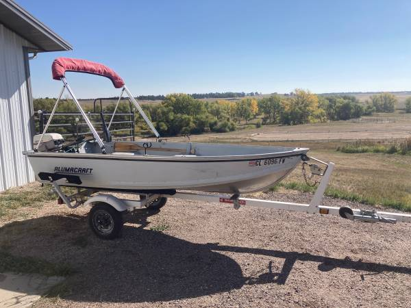 Photo 12 ft Alumnacraft Fishing Boat  Trailer - $2,250 (Elizabeth)