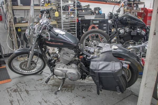 Photo 2006 Harley-Davidson Sportster XLH 883 Custom Project Bike - $2,000 (Frederick)