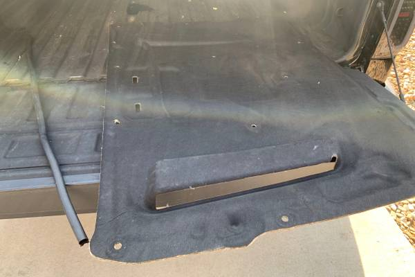 Photo 2010-2014 Ford Mustang Hood Insulation Pad Line Heat Shield w Trim - $100 (Green Valley Ranch)