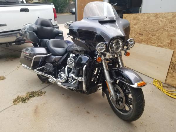 Photo 2014 Harley Davidson, Ultra Classic Limited - $15,000 (Aurora)