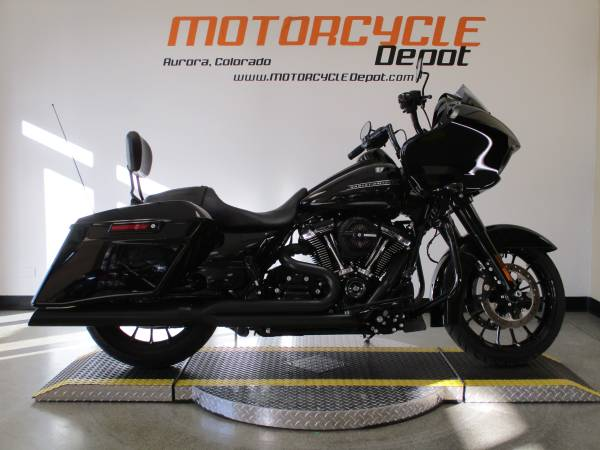 Photo 2018 Harley Davidson Road Glide Special - $24,999 (MOTORCYCLE DEPOT)
