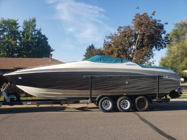 Photo 29quot Speed or Ski Boat with sleeper cabin and ski - $25,000 (Englewood)