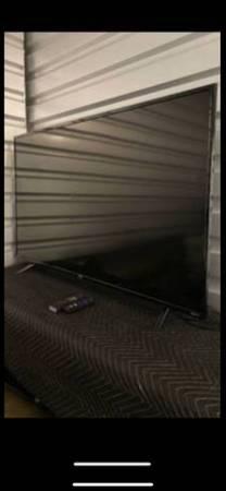 Photo 50 inch TV LED 4K Ultra HD Roku - $200 (Lone tree)