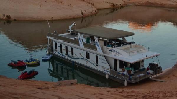 Photo 7539 Houseboat on Lake Powell-Prime August week - $6000 (Antelope Point Marina)