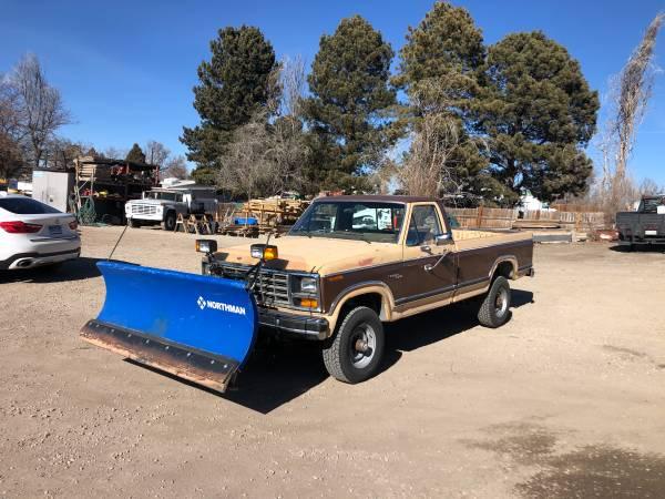 Photo 81 f250 4x4 with snow plow - $6,500 (Aurora)