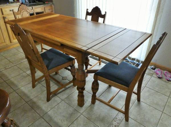 Photo Antique Solid Oak Drop Leaf Dining Table, Chairs,  Buffet - $1,200 (Brighton)