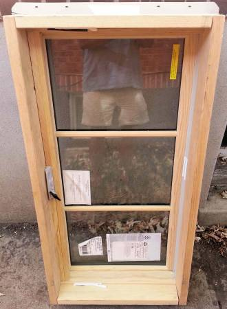 Photo BRAND NEW - Sierra Pacific LowE Casement Window - Casing 41.5quot x 21.5quot - $199 (Denver - Wash Park)