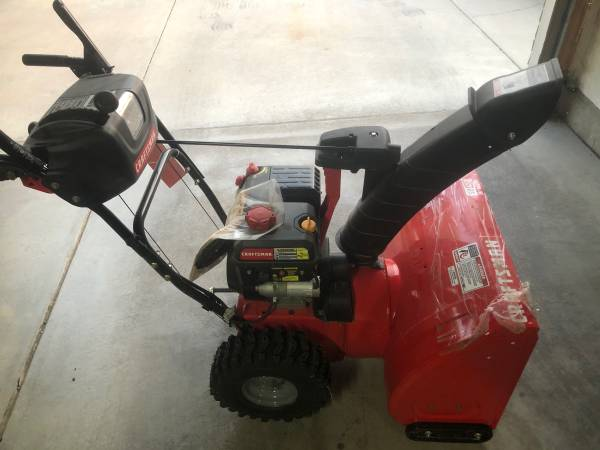 Photo Brand new Craftsman 26-IN. 208CC ELECTRIC START TWO-STAGE SNOW BLOWER (SB450) - $700 (Henderson)