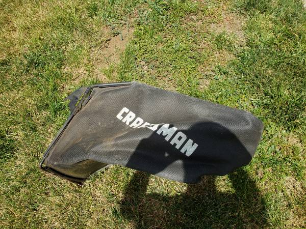 Photo CRAFTSMAN MOWER, LAWNMOWER BAG - $30 (Thornton)