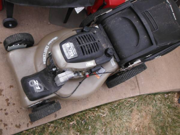Photo Craftsman 21 inch self propelled lawn mower 63 - $120 (parker)