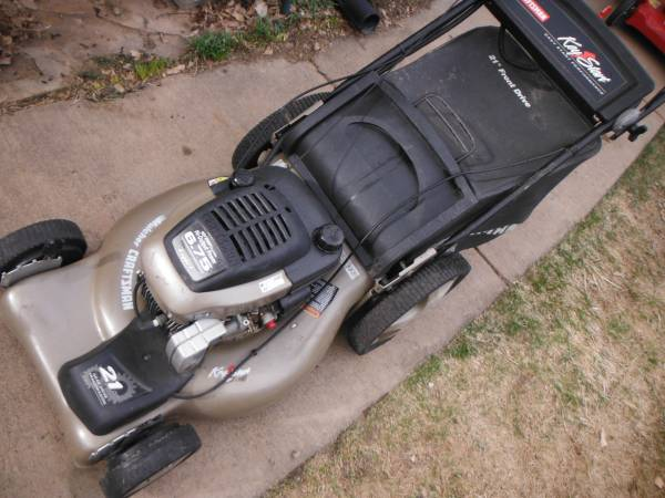 Photo Craftsman 21 inch self propelled lawn mower 62 - $120 (parker)