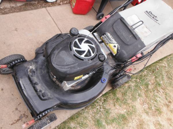 Photo Craftsman 22 inch self propelled lawn mower 55 - $120 (parker)