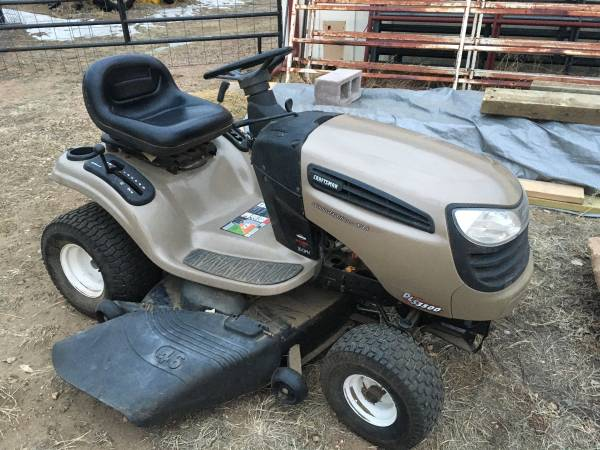 Photo Craftsman Limited Edition VTS Riding Lawn Mower - $650 (Greeley)