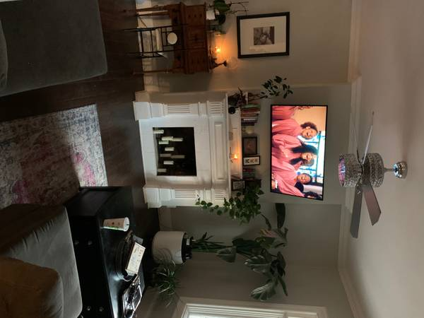 Photo DOWNTOWN ARTS DISTRICT- Private Bedroom - Utilities Included- Garage (Lincoln)