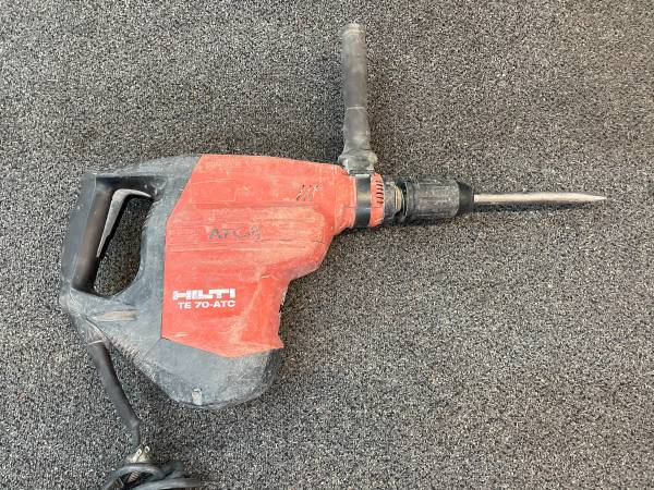 Photo Hilti TE 70-ATC Corded Heavy Duty Rotary Hammer Drill Demolition - $399 (FEDERAL HEIGHTS)