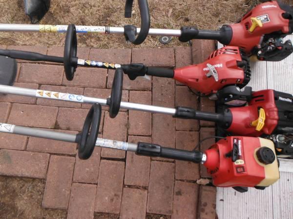 Photo Homelite and yard machines weed wackers - $1 (parker)