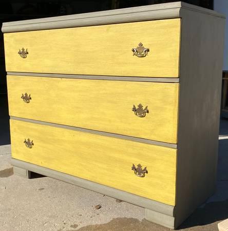 Photo Huntley Shabby Chic Dresser - $180 (Littleton)