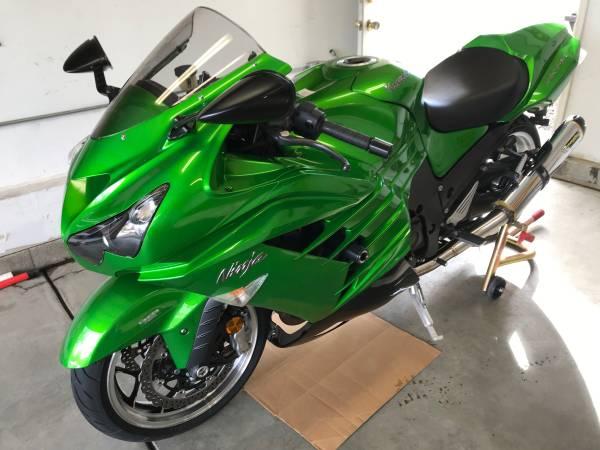Photo LOOK...2013 Kawasaki ZX14 R Low Miles Asking $8,500.00 - $8500 (Aurora)