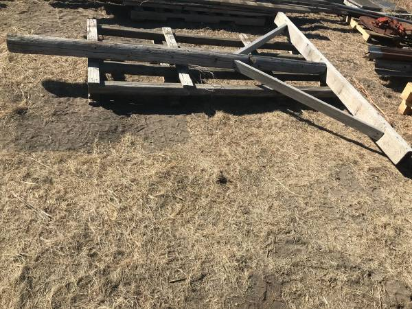 Photo Large T support post - reclaimed barnwood - $65 (Parker)
