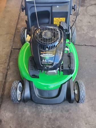 Photo Lawn Boy 6.5 HP 21quot cut push lawn mower wbag. - $95 (SW Denver)