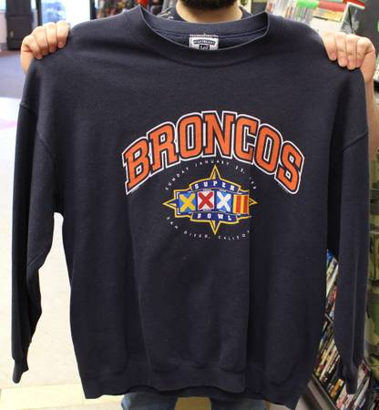 Photo Lee Denver Broncos Super Bowl 32 Sweatshirt - $30 (Broomfield)