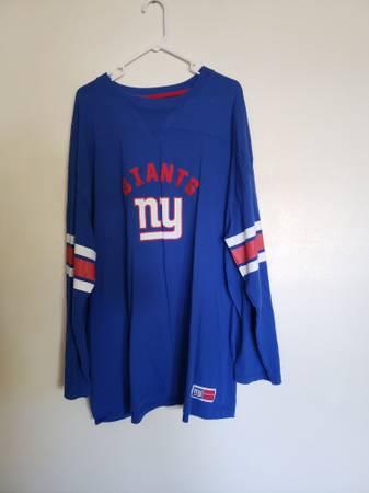 Photo New York giants shirt - $15 (Centennial)