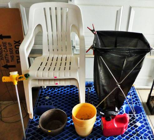 Photo PatioLawn Chairs, Flower Pots, Leaf Bag Holder, Gas Can (Brighton)