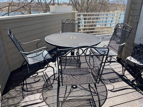 Photo Patio table with 4 rocker chairs - $175 (Littleton)
