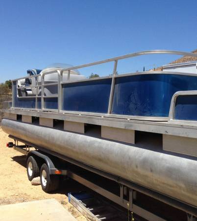 Photo Pontoon boat 1987 2839 Sun Tracker partially refurbished. - $8,500 (Byers, CO)