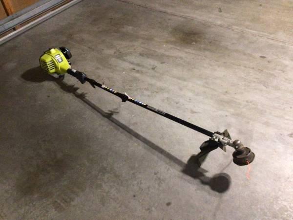 Photo RYOBI 2 cycle grass trimmer - $20 (Arvada)