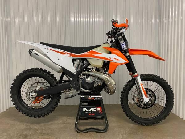 Photo Rentals Dirt Bike KTM - $250 (Denver  Surrounding Areas)
