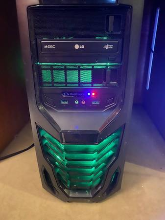 Photo Selling Gaming PC wmouse  keyboard - $300 (Denver)