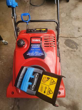 Photo Toro 721 Power Clear electric start single stage snow blower. - $325 (SW Denver)