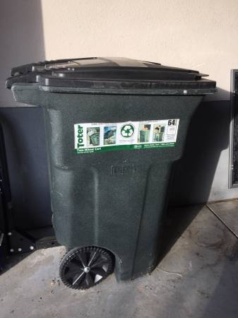 Photo Toter 64 Gallon Trash Can - $45 (Castle Pines)