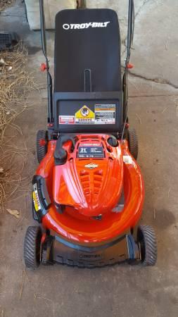 Photo Troybilt 6.75 HP 21quot cut push lawn mower wbag. - $125 (SW Denver)